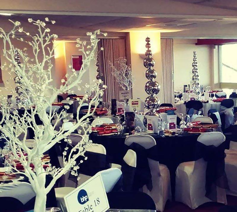 A dining room dressed in Christmas decorations.